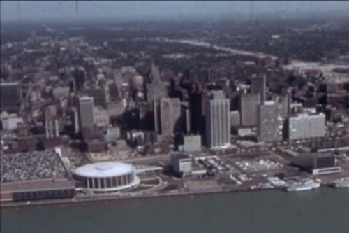 Preisvergleich Produktbild Classic Detroit Films DVD: 1960s City Of Detroit Films Aimed At Convincing The Olympic Selection Committee To Pick Detroit For The Winter Games Including Detroit,  Michigan History,  Sports,  People,  Culture,  Music,  Airport & Skyline.