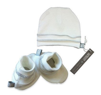 set-con-cappellino-e-babbucce-neonato