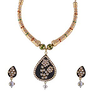 Kundan Hasli Necklace with Earrings