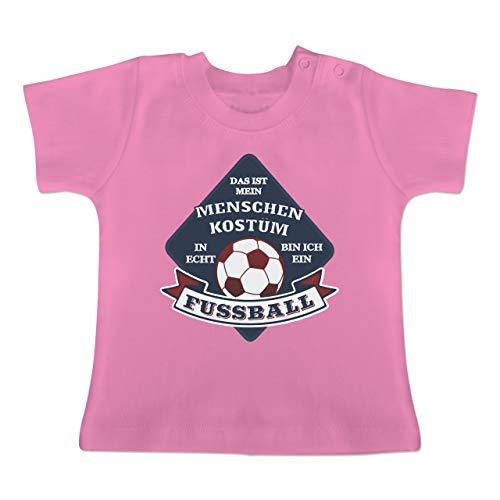 Karneval und Fasching Baby - Das ist Mein Menschen Kostüm in echt Bin ich EIN Fussball - 18-24 Monate - Pink - BZ02 - Baby T-Shirt Kurzarm (Baby Rosa Fußball Kostüm)