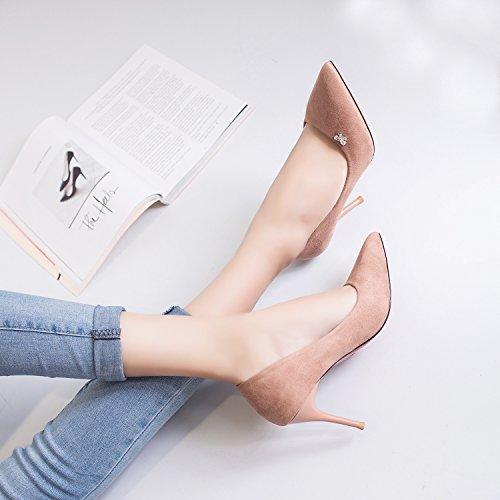 Alta scarpe tacco di perforazione acqua punta fine con una luce nera opaca Pink