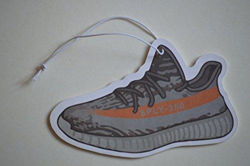 Preisvergleich Produktbild Adidas Yeezy Sneaker Duftbaum Grau Lufterfrischer Auto
