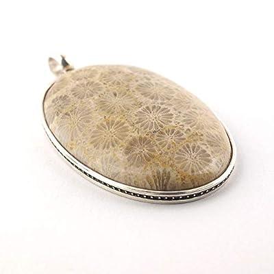 Pendentif ovale de corail fossilisé en beige-marron serti d'argent 925, 38x25x6 mm env.
