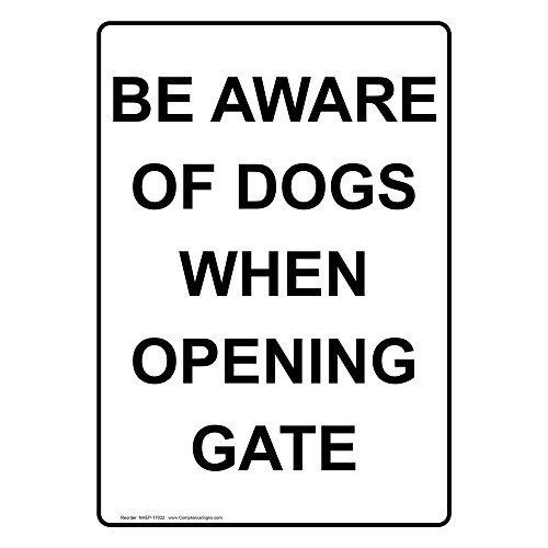(Werden Sich An unseren Hunde Beim Öffnen Gate Metall singt Aluminium Yard Schilder Outdoor Neuheit Metall blechschild Teller Wand plauqe 20x 30cm, weiß)