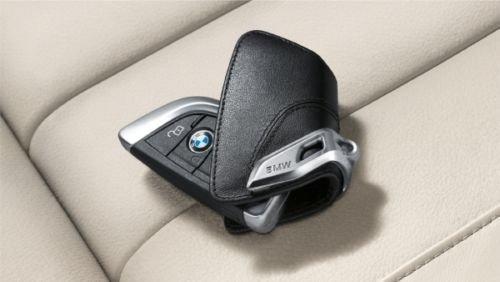 Original BMW Schlüsseletui mit Edelspange - sattelbraun
