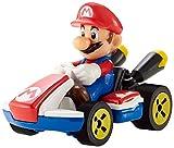 Hot Wheels Mario Kart mini-véhicule Mario à l'échelle 1:64, inspiré par les personnages et voitures du jeu, jouet pour enfant, GBG26