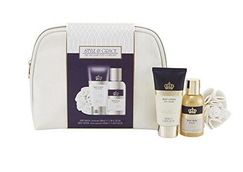 Style & Grace Signature Bath & Body Confezione Regalo 100ml Lozione Corpo + 100ml Bagnoschiuma + Fiore Doccia + Borsetta
