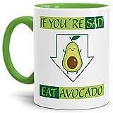 Tassendruck Avocado-Tasse Eat Avocado Innen & Henkel Hellgrün/Trend-Frucht/Gesund/Vegan/Geschenk-Idee/Kaffee-Tasse/Mug/Cup Qualität - 25 Jahre Erfahrung