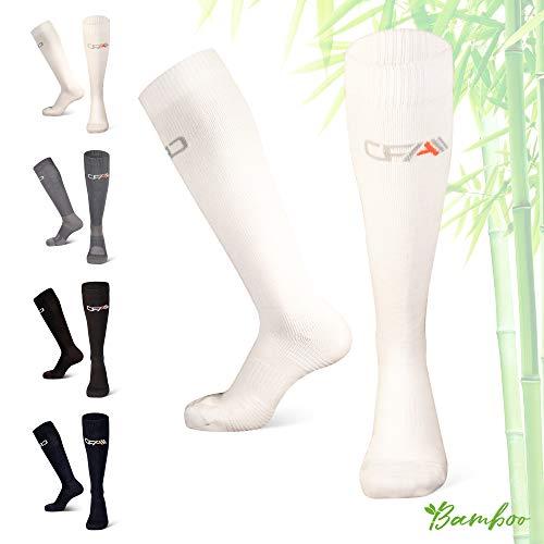 Performance Kompressions Socken (COMPRESSION FOR ATHLETES Hochwertige Bambus Kompressionsstrümpfe, Überlegenen, Flache Spitzennähte, Reduzieren das Risiko von Geschwollenen und Müden Beinen. Hergestellt in der EU (Weiss, X-Large))