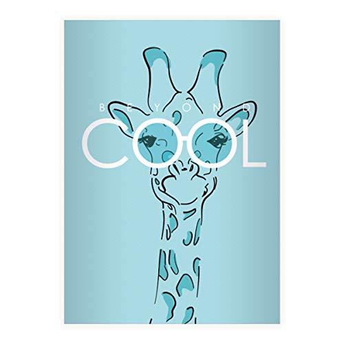 4 Beyond Cool DIN A5 Schulhefte, Schreibhefte mit Sonnenbrillen Giraffe, hellblau Lineatur 4 (liniertes Heft 16 Blatt/32 Seiten) Notizheft, Kladde für Schule, Universität, Büro