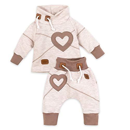 Baby Sweets Set Hose und Shirt Mädchen beige braun | Motiv: Heart | Baby Outfit mit Herz-Applikationen für Neugeborene & Kleinkinder | Größe: 18 Monate (86)......