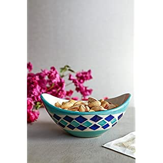 Handpainted Attractively Boat Shaped Ceramic Snack Bowls   Set of 2