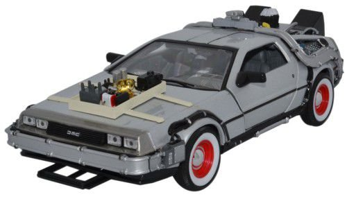 Welly 22444W - Regreso al Futuro Parte III, DeLorean Diecast Collector's model escala 1:24