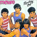 Songtexte von Menudo - Reaching Out