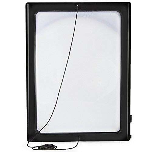 Zeitungslupe Vergrößerungsglas Leselupe - Lupe OMALU - für Senioren zum Umhängen - Geschenk für Oma - A4 Format- LED Beleuchtung - Senioren Vergrößerungslupe Lesehilfe Zeitung Buch - Maße: ca. 28x20x2cm - 3