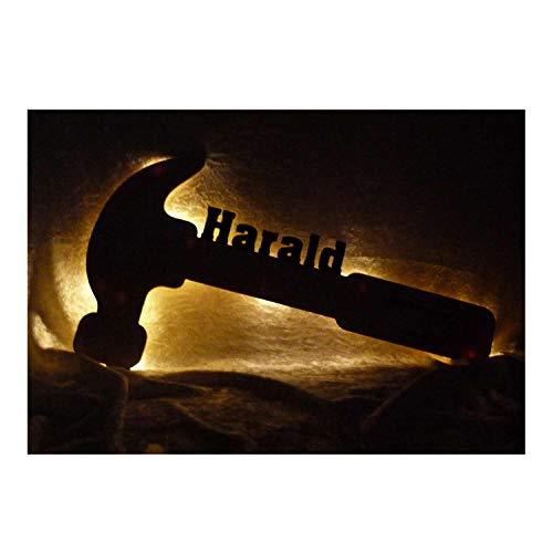 """Schlummerlicht24 3d Led Nachtlicht""""Zimmermann Dachdecker Hammer"""" mit Name für Väter Vater, witzige Mann Männer Geschenke für Handwerker, Heimwerker als personalisierte Deko Lampe"""