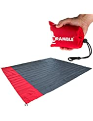 Manta portátil impermeable para picnic Bramble. Cabe en tu bolsillo – Incluye bolsa para viajar. - Rojo