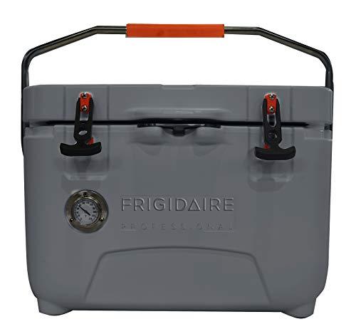 Frigidaire Professional 25-Qt. Roto-Molded Hard-Kühler mit integriertem Thermometer, Graphit, FXHC2501-GRAPHITE