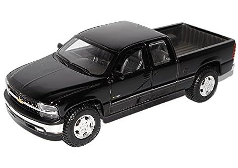 Chevrolet Chevy Silverado GMT800 Pick-Up Schwarz 1998-2007 1/27 1/24 Maisto