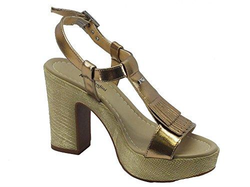 Nero Giardini Sandali per Donna NeroGiardini Colore Oro Tacco Alto Sandalo