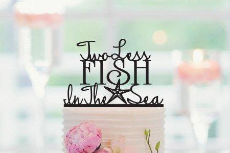Zwei weniger Fish in the Sea Hochzeit Tortenaufsatz, Seestern Tortenaufsatz, Strand Hochzeit Dekorationen, nautisches Tortenaufsatz, Verlobungsring (Nautische Dekorationen Hochzeit)
