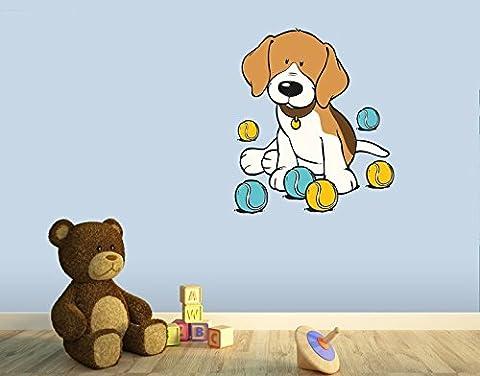 Wandtattoo Beagle mit bunten Bällen B x H: 43cm x 50cm von Klebefieber®