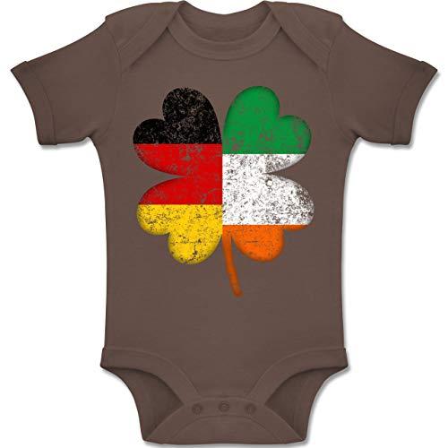 Shirtracer Anlässe Baby - Deutschland Irland Kleeblatt - 12-18 Monate - Braun - BZ10 - Baby Body Kurzarm Jungen - Irland Kostüm Mädchen