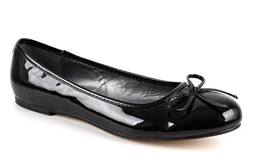 Klassische, schwarze Lack-Ballerinas