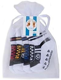 Baby Emporio-4 Paar-Socken die wie Schuhe aussehen-Fussball-Baby Jungen-rutschfest-0-9 Monate-Geschenkbeutel (Blau-Schwarz-Rot-Gelb)