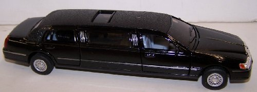 Kinsmart 1/38 Scale Diecast 1999 Lincoln Town Car Stretch Limousine in Color Black by Collectable Diecast