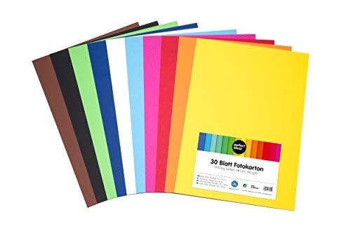 perfect ideaz 30 Blatt DIN-A3 Foto-Karton bunt, Bastel-Papier, Bogen durchgefärbt, 10 verschiedene Farben, 300g/m², Ton-Zeichen-Pappe zum Basteln, buntes Blätter-Set farbig, DIY-Bedarf