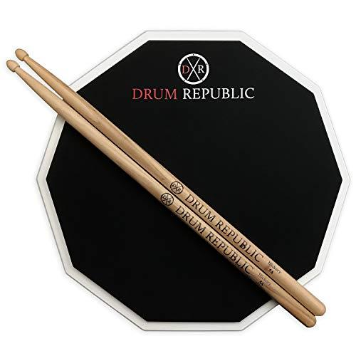 Drum Republic Übungspad mit Drum-Pad und Sticks Premium 30,5 cm Pad und Paar 5A Drumsticks Snare Drum Übungsset für Anfänger und Profis Quiet Drumming 12-in-1-Seiten-Pad (Snare-drum-halterung)