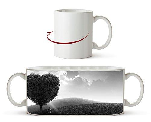 romantischer Herzförmiger Baum Effekt: Schwarz/Weiß als Motivetasse 300ml, aus Keramik weiß, wunderbar als Geschenkidee oder ihre neue Lieblingstasse. Wüste Pralinen