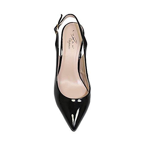 Zapatos De Tacón Lunar, Black Woman