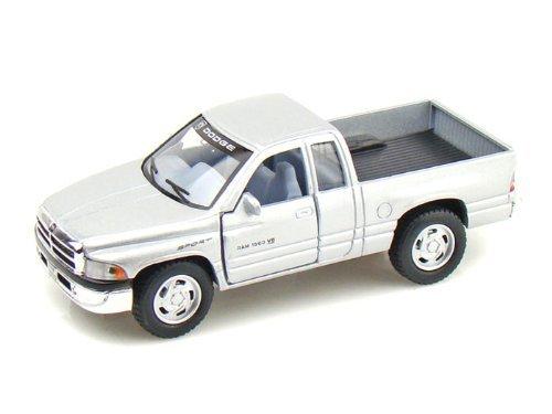 dodge-ram-pickup-1-44-silver