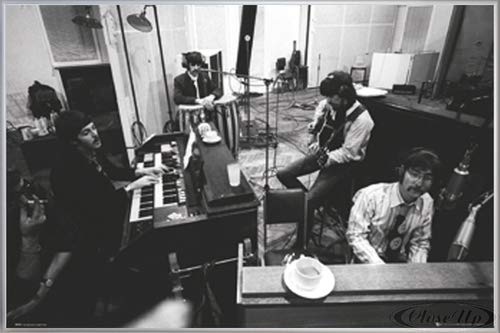 Close Up The Beatles Poster Studio SGT Peppers (62x93 cm) gerahmt in: Rahmen Silber matt