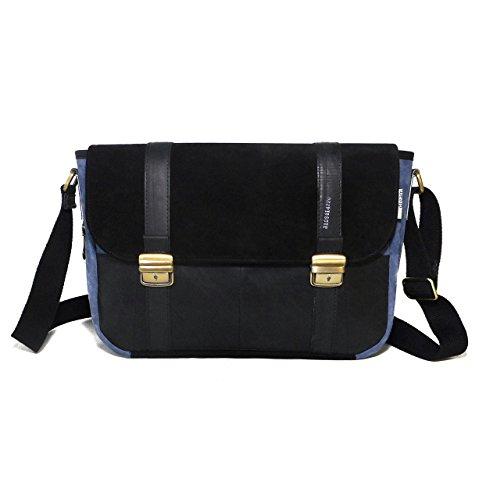 bolsa-de-mensajero-camara-de-aire-y-cuero-gamuza-negro-y-azul-eco-friendly