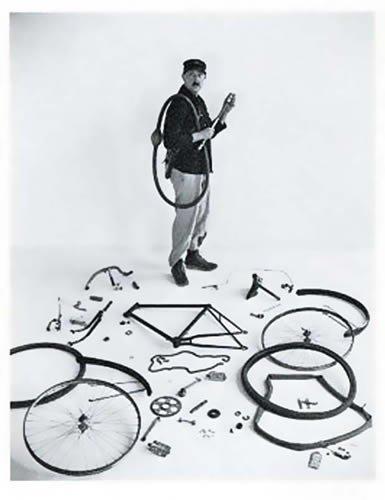 postkarte-a6-schwarz-weiss-von-modern-times-jaques-tati-1949-fotofolio-c-doisneau-robert