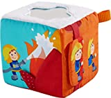 HABA 304239 - Spielwürfel Feuerwehr-Einsatz, Stoffspielzeug ab 6 Monaten, mit Feuerwehrauto zum Herausziehen, viele akustische und haptische Elemente fördern die Sinne von Babys