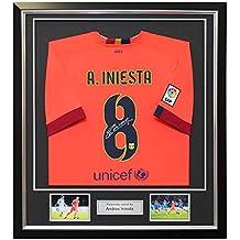 exclusivememorabilia.com Camiseta de visitante del Barcelona firmada por  Andrés Iniesta. En Marco de 927d4649f589b