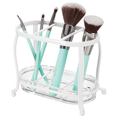 mDesign Make up Organizer für den Waschtisch oder Spiegelschrank - Schminkaufbewahrung aus Metall und Kunststoff - Pinselhalter mit 3 Bereichen und entfernbarer Ablage - weiß und durchsichtig