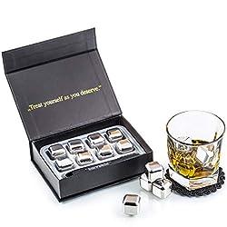 Exklusives Edelstahl Whisky Steine Geschenkset - Hohe Kühltechnologie - 8 Whisky Eiswürfel Wiederverwendbar - Edelstahl Eiswürfel - Besondere Geschenke für Männer - Edelstahl Kühlstein von Amerigo