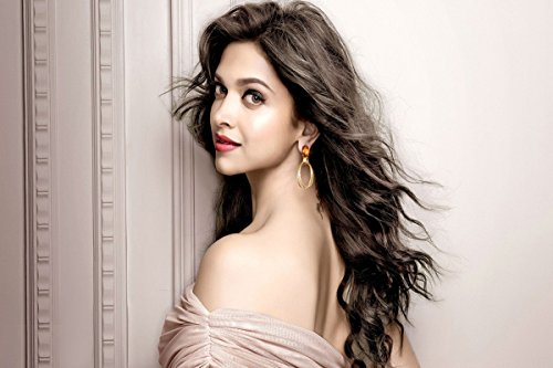 Deepika Padukon poster (size 12 x 18 inch)  available at amazon for Rs.190