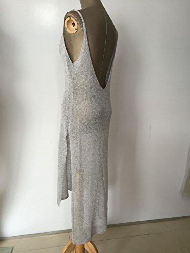eine leere strand sonnencreme kleidung bikinis mantel aus kleid gray