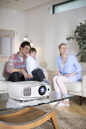 Bild 65: Epson EH-TW6100 3D Heimkino 3LCD-Projektor (Full HD 1080p, 2.300 Lumen Weiß & Farbhelligkeit, 40.000:1 Kontrast, 2x HDMI (1x MHL), inkl. 1x 3D Brille) schwarz