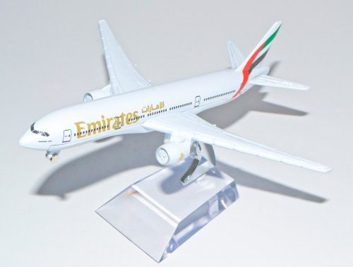 boeing-777-emirates-metal-plane-model-16cm