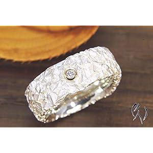 Breiter Ring aus Silber 925/-, mit Brillant, Zerknittert, 8 mm
