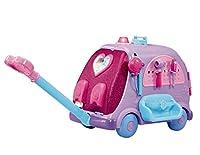 Cura i tuoi giocattoli preferiti ovunque ce ne sia bisogno, grazie alla Clinica Mobile, come Dottie nella serie Tv Dottoressa Peluche L'articolo è un vero e proprio pronto soccorso mobile che puoi portare sempre con te, ricco di accessori e t...
