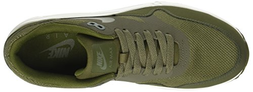 Nike Air Max 1 Ultra 2.0 Essential, Scarpe Sportive Indoor Uomo Verde (Med Olive/legion Green-sail)
