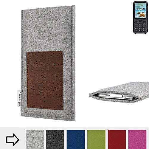 flat.design Handyhülle Evora mit Scheckkartenfach für Energizer H20 - Schutz Case Etui Filz Made in Germany in hellgrau mit Korkstoff braun - passgenaue Handy Tasche für Energizer H20